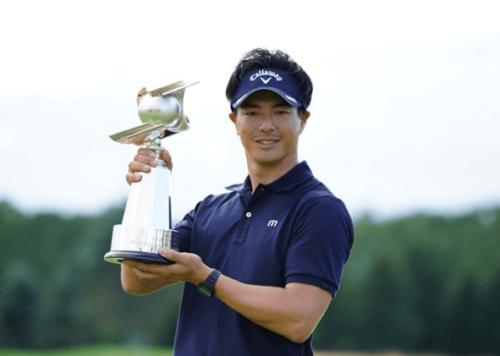 石川遼選手のセガミ優勝写真